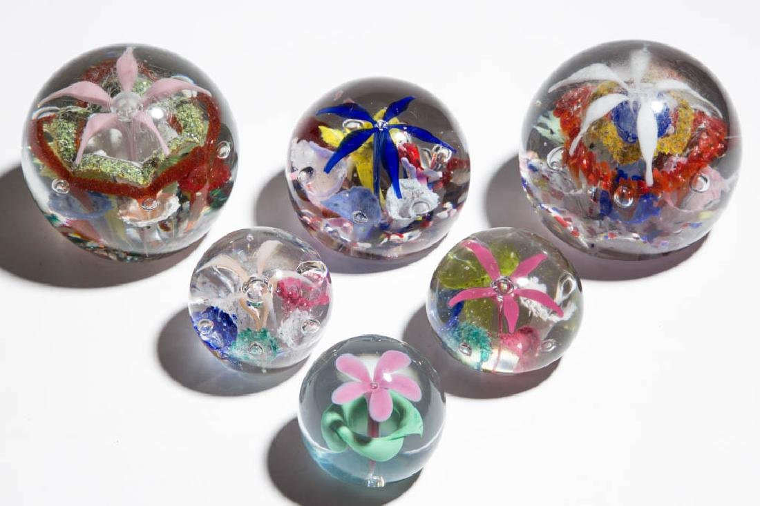 ASSORTED SPIDER FLOWER PAPERWEIGHTS, LOT OF SIX