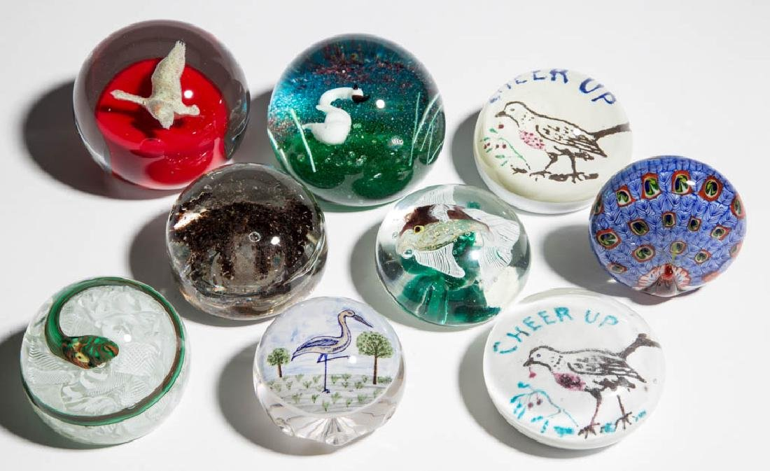 ASSORTED ANIMAL GLASS PAPERWEIGHTS, LOT OF NINE