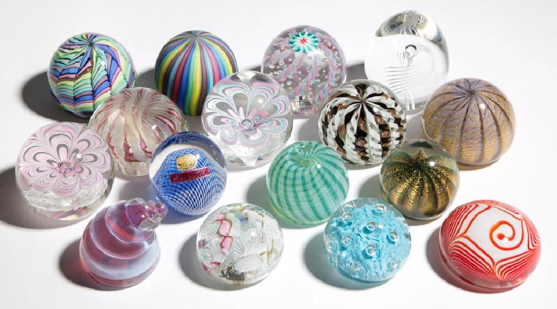 ASSORTED GLASS PAPERWEIGHTS, LOT OF 16