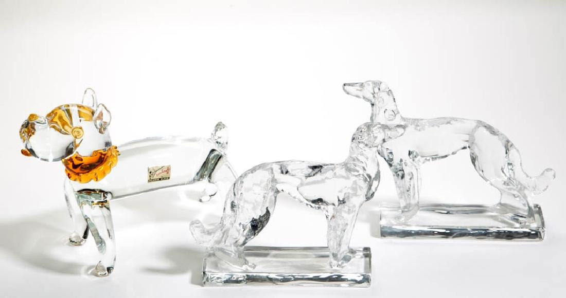 ASSORTED FIGURAL DOG ARTICLES, LOT OF THREE