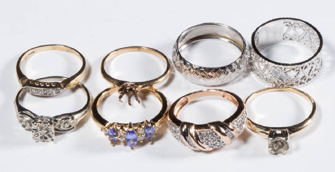 ASSORTED 14K GOLD LADY'S RINGS, LOT OF EIGHT