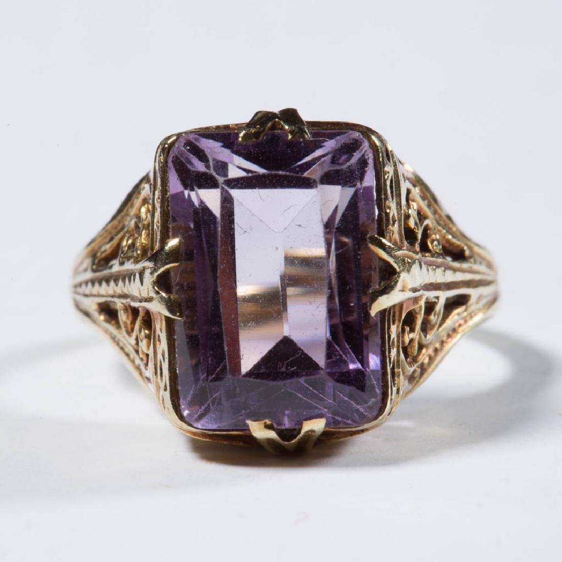 ANTIQUE 14K GOLD AND AMETHYST LADY'S RING
