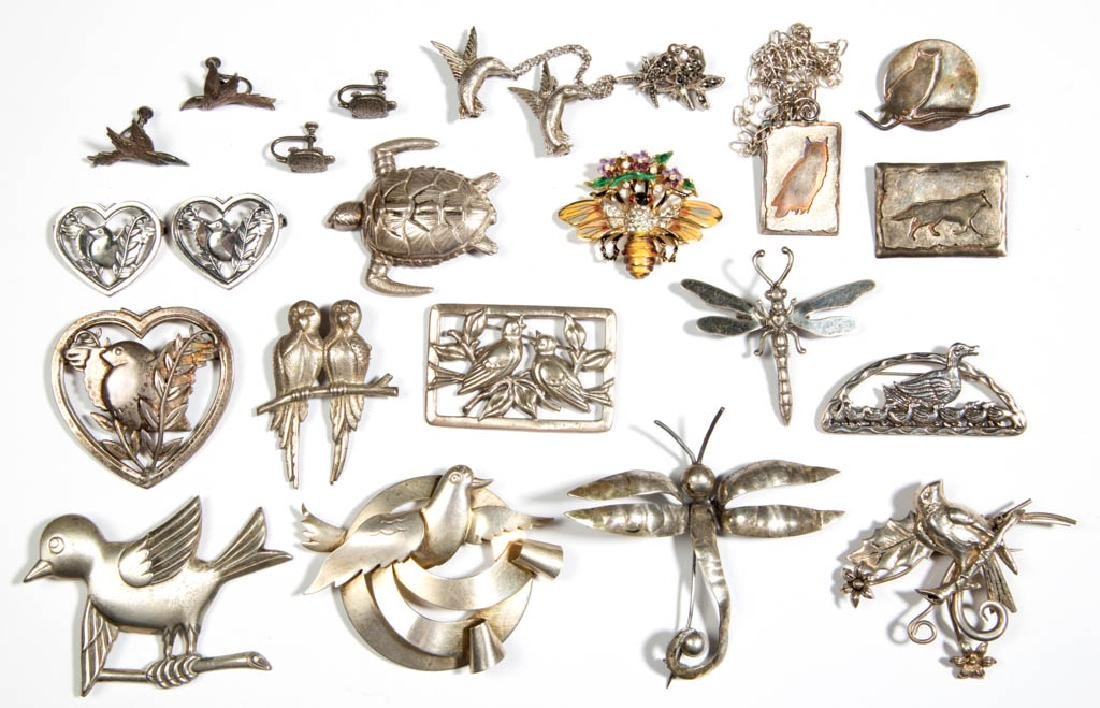 ASSORTED ANTIQUE / VINTAGE SILVER COSTUME JEWELRY, LOT