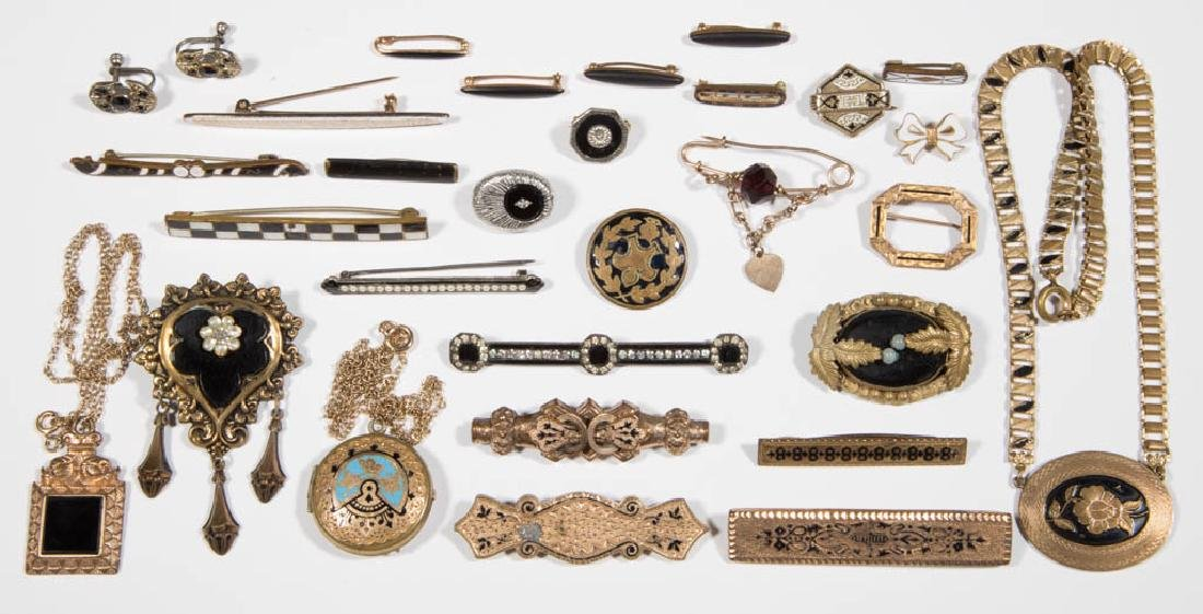 VICTORIAN / ANTIQUE COSTUME JEWELRY, LOT OF 30
