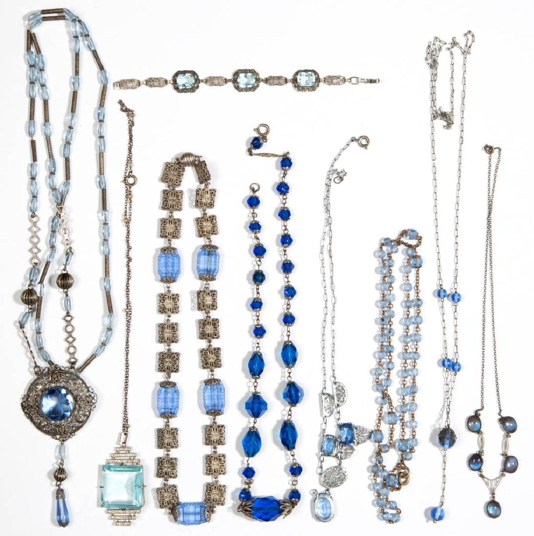 ASSORTED ANTIQUE / VINTAGE GLASS BEAD COSTUME JEWELRY,