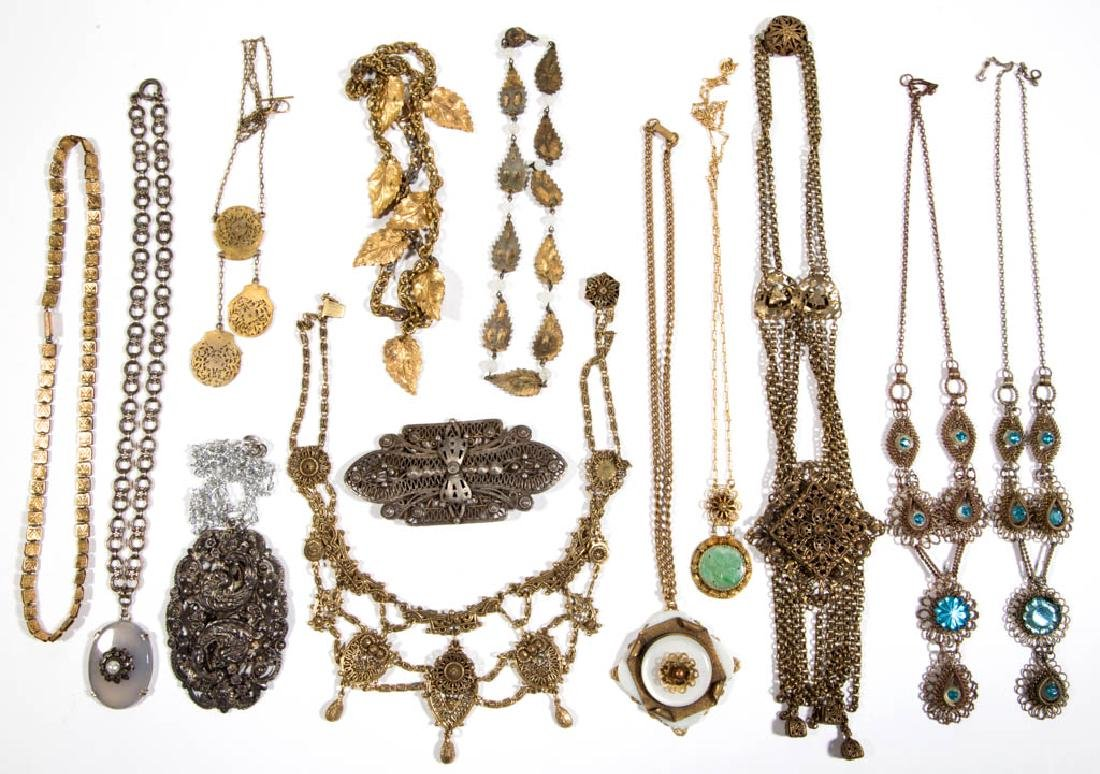 ASSORTED ANTIQUE / VINTAGE COSTUME JEWELRY, LOT OF 13