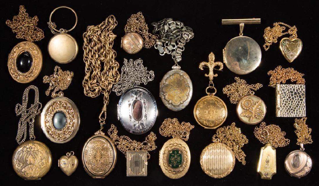 ASSORTED ANTIQUE / VINTAGE LOCKET COSTUME JEWELRY, LOT