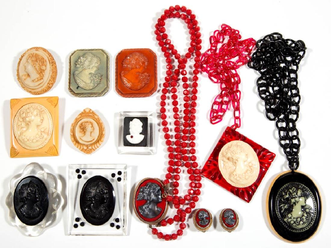 ASSORTED ANTIQUE / VINTAGE CAMEO-LIKE COSTUME JEWELRY,