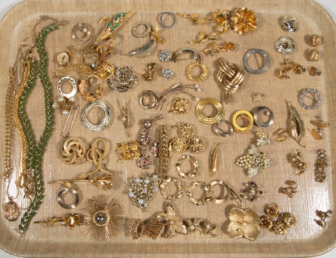 ASSORTED ANTIQUE / VINTAGE COSTUME JEWELRY