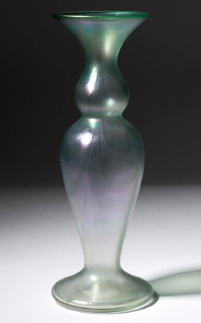 IMPERIAL FREE HAND LOOP ART GLASS VASE