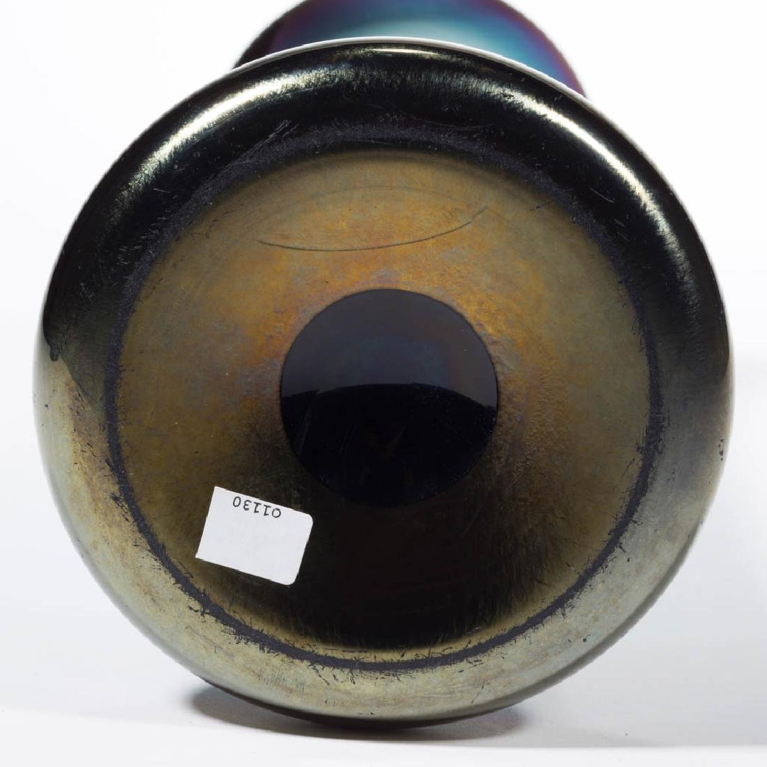 IMPERIAL LEAD LUSTRE IRIDESCENT ART GLASS VASE - 2