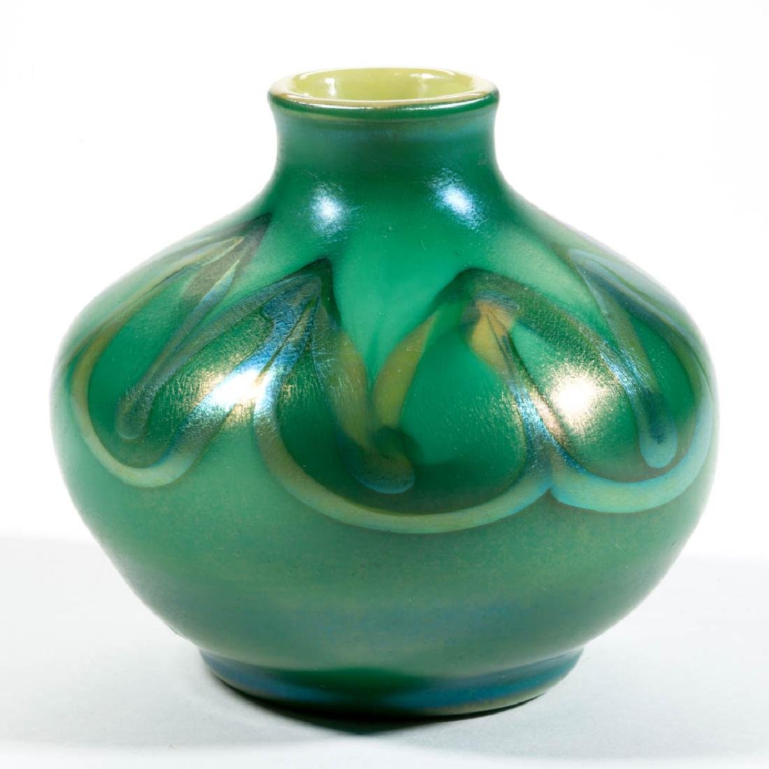 TIFFANY FAVRILE PULLED DECORATED ART GLASS VASE