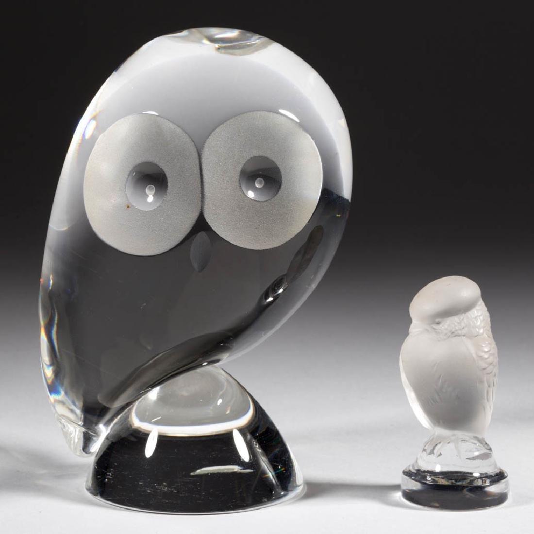 STEUBEN CRYSTAL ART GLASS OWL SCULPTURE / PAPERWEIGHT