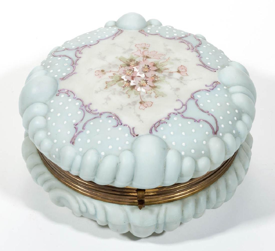 WAVE CREST BAROQUE SHELL BOX