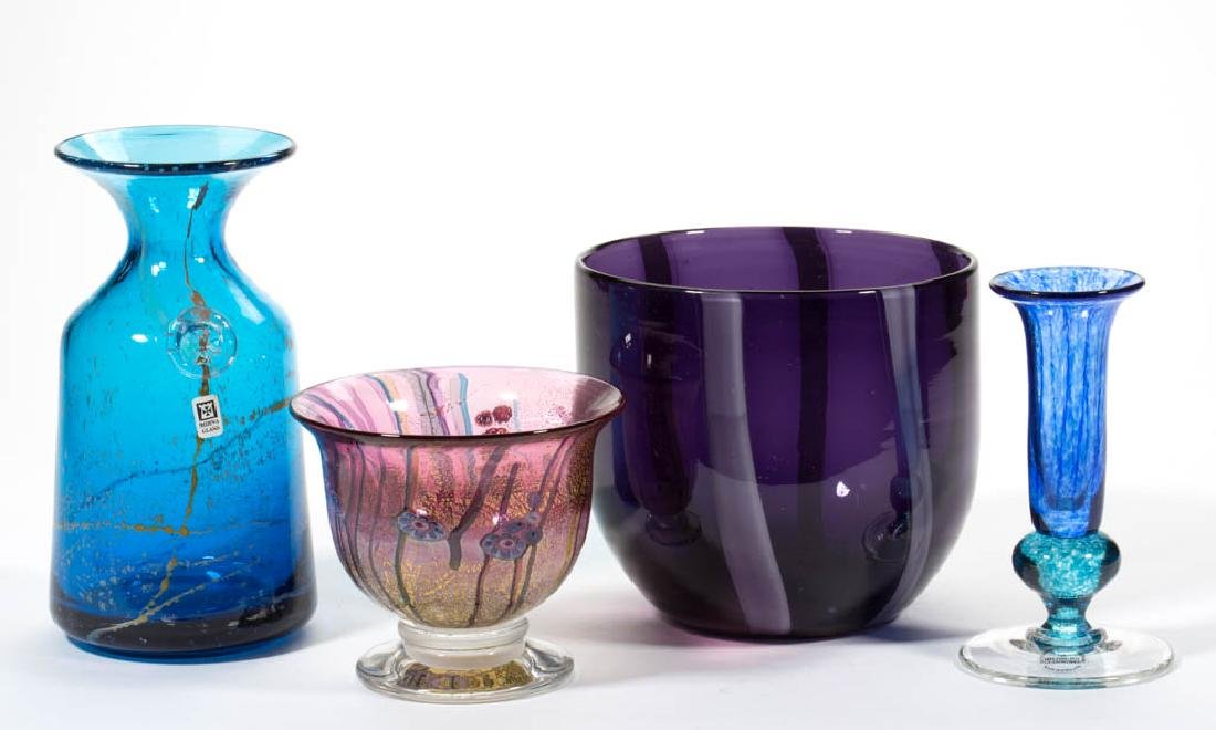 ASSORTED STUDIO ART GLASS ARTICLES, LOT OF FOUR