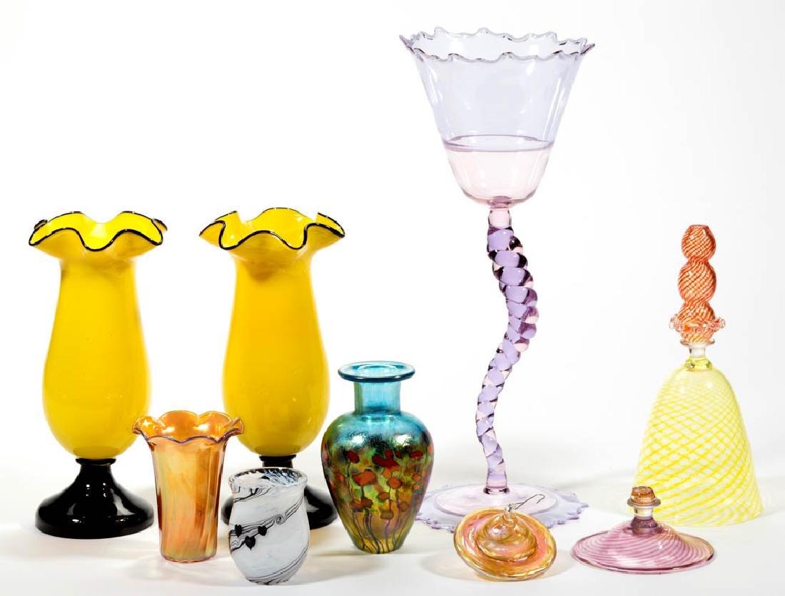 ASSORTED STUDIO ART GLASS ARTICLES, LOT OF EIGHT
