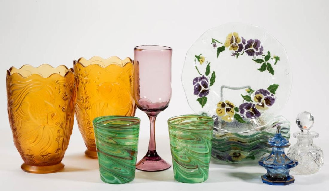 ASSORTED GLASS ARTICLES, LOT OF 13