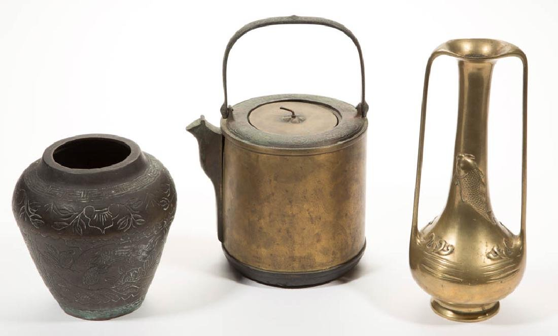 CHINESE AND JAPANESE BRONZE / BRASS ARTICLES, LOT OF