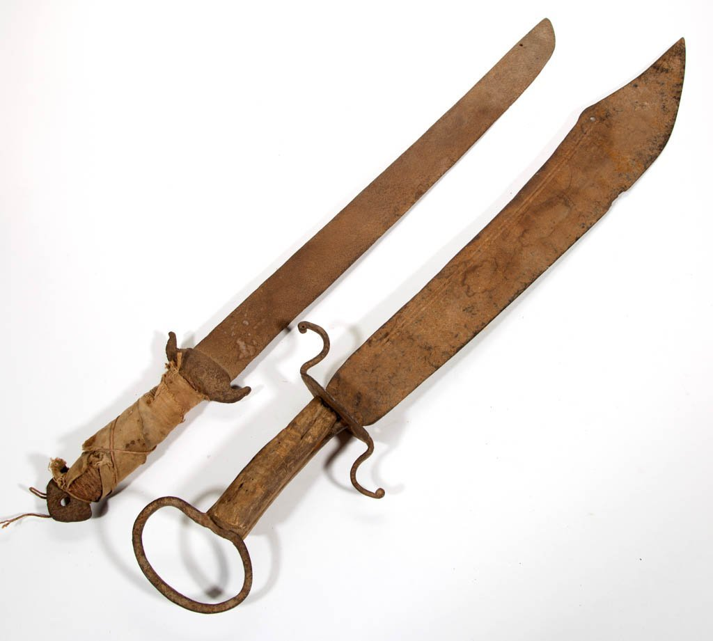 ANTIQUE CHINESE DAO SWORDS, LOT OF TWO