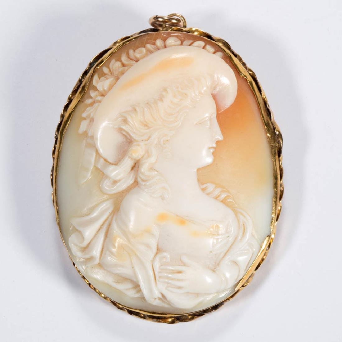 ANTIQUE 14K GOLD AND CARVED CAMEO BROOCH