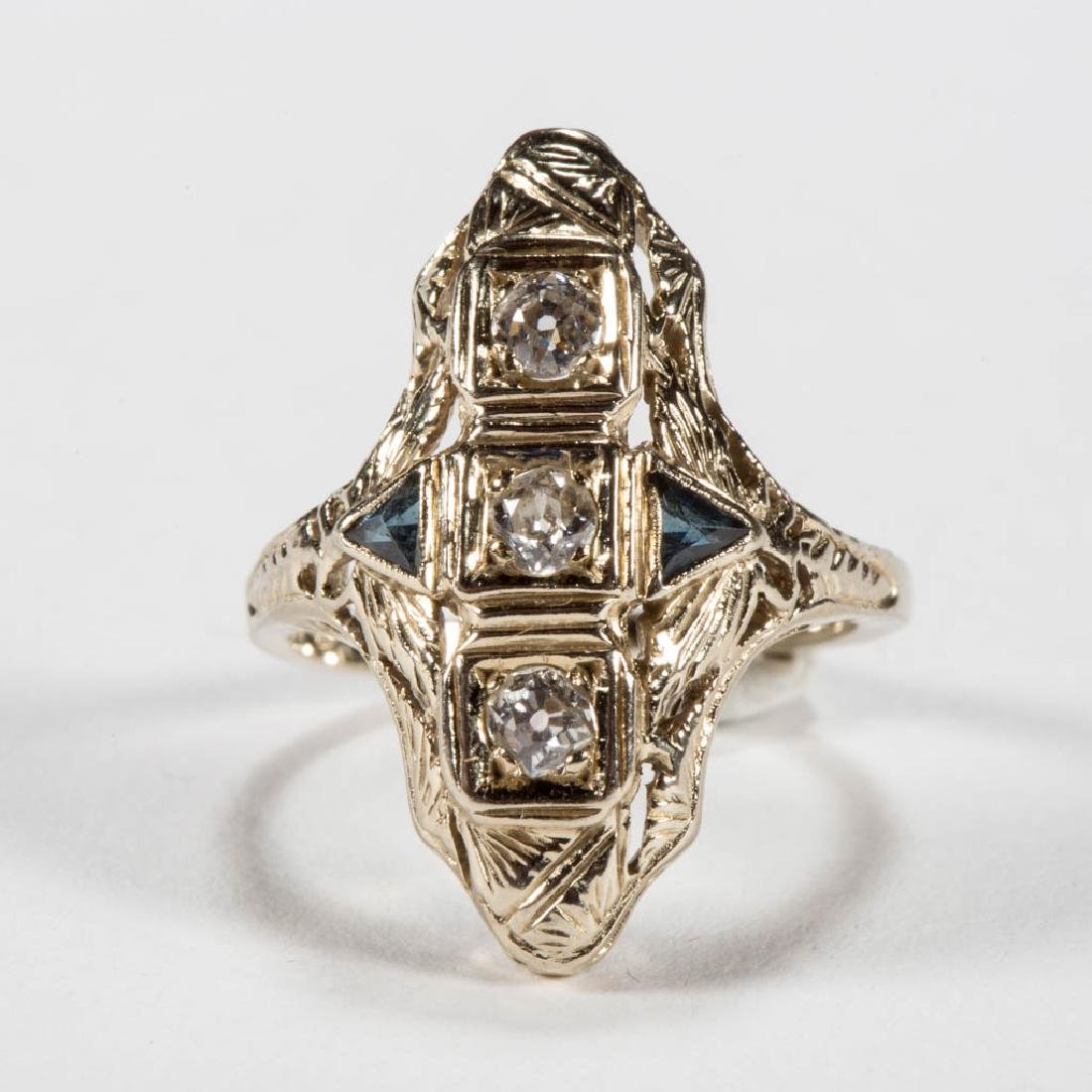 ART DECO 18K WHITE GOLD AND DIAMOND LADY'S RING