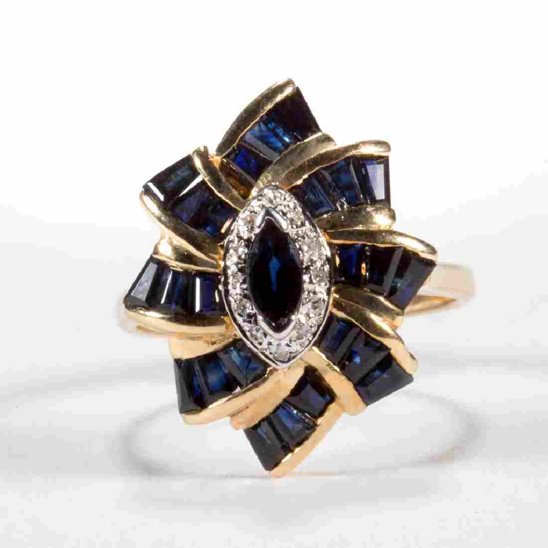 VINTAGE 14K GOLD AND SAPPHIRE LADY'S RING