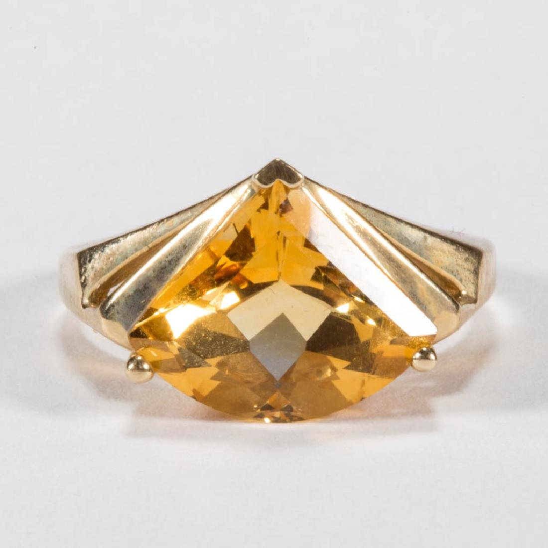 VINTAGE 14K GOLD AND CITRINE LADY'S RING