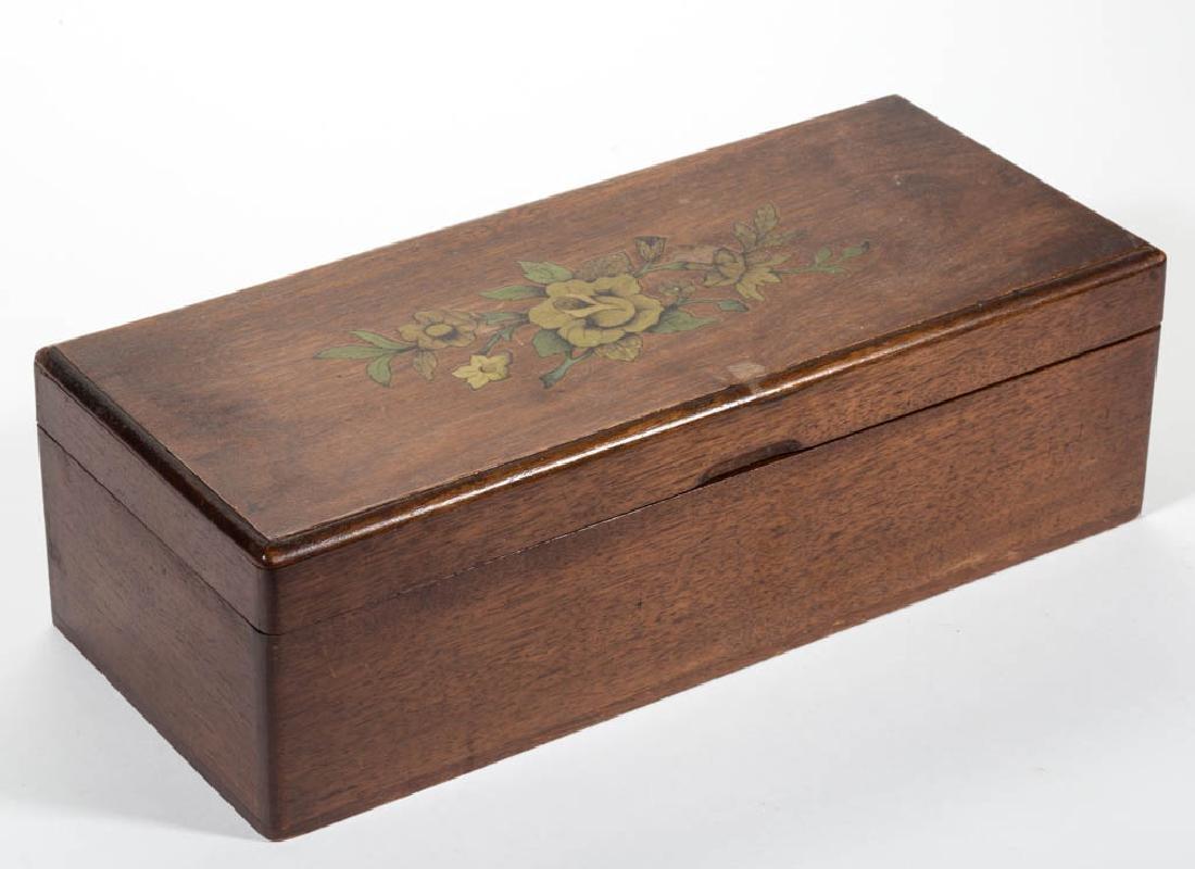 VINTAGE WALNUT LIQUOR BOX