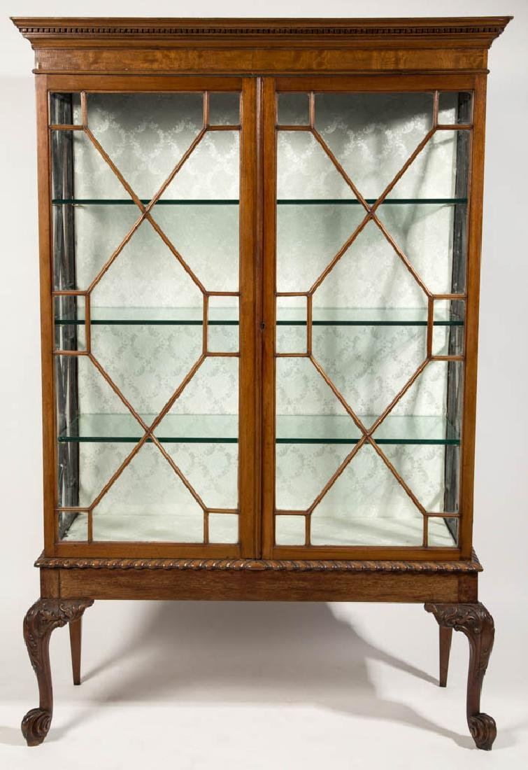 CHIPPENDALE-STYLE MAHOGANY CHINA CABINET