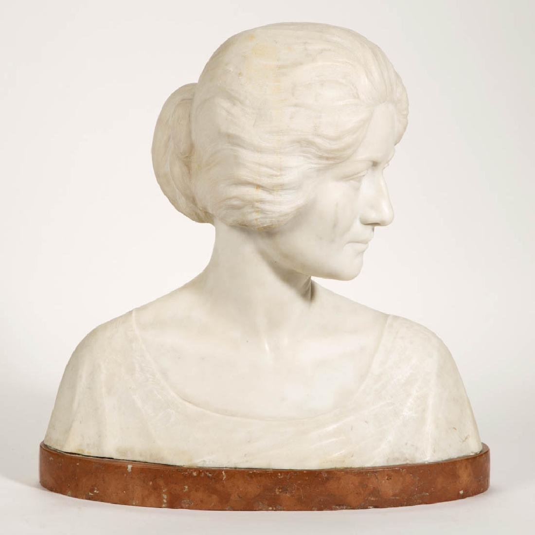 AMERICAN OR EUROPEAN CARVED MARBLE BUST OF A WOMAN