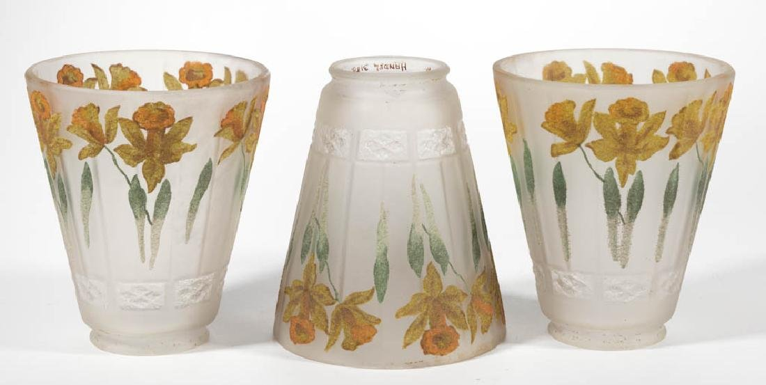 HANDEL DAFFODIL PAINT-DECORATED LAMP SHADES, LOT OF