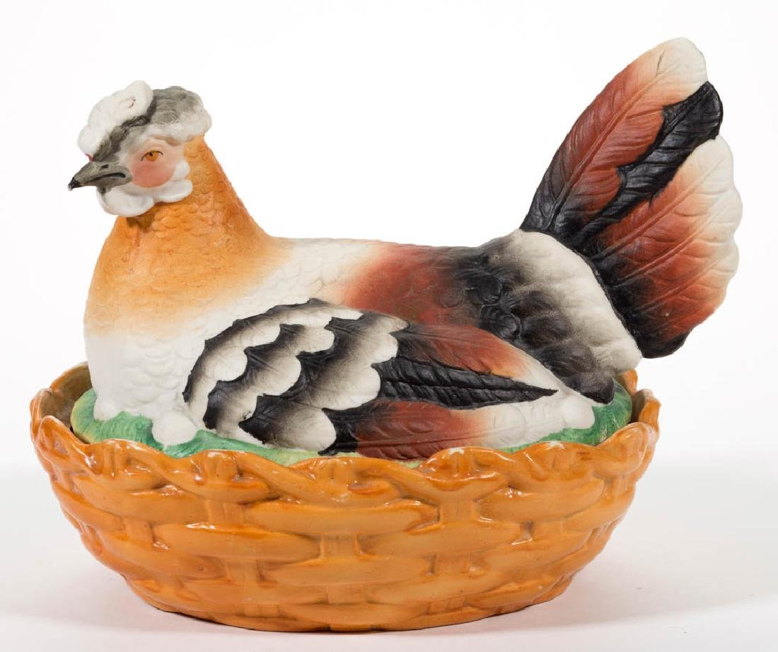 ENGLISH DRY-BODIED CERAMIC HEN ON NEST