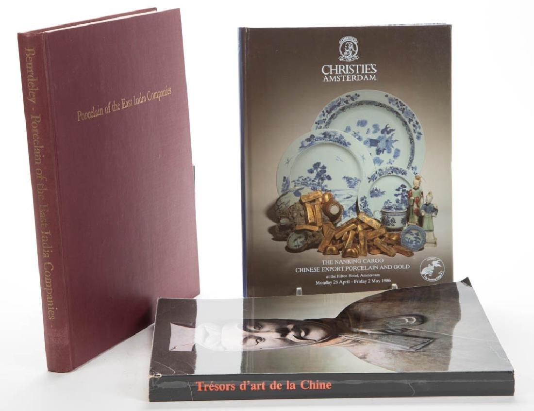 CHINESE PORCELAIN / CERAMICS / ARTWORK VOLUMES, LOT OF