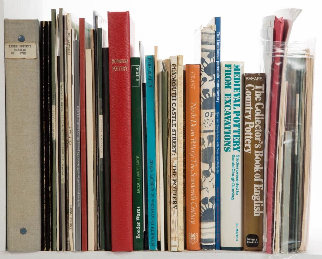 ASSORTED ENGLISH CERAMIC VOLUMES / RESEARCH MATERIALS,