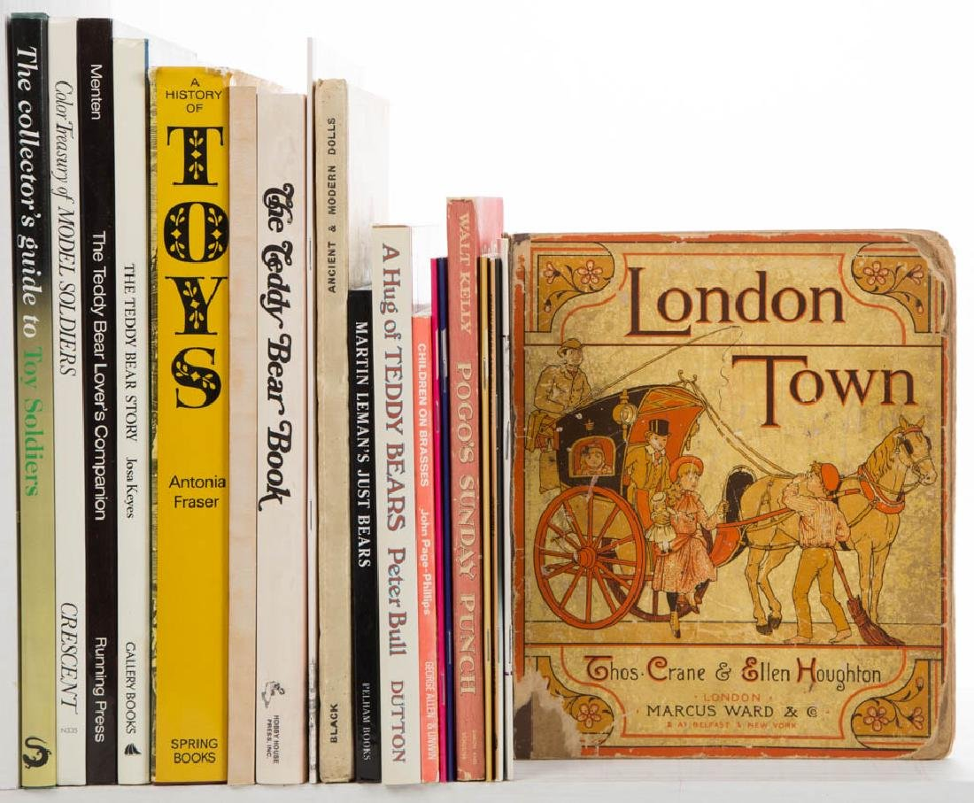 TOYS, DOLLS, AND RELATED LITERATURE / VOLUMES, LOT OF