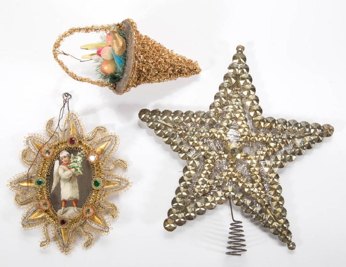 ASSORTED VINTAGE CHRISTMAS DECORATIONS, LOT OF THREE