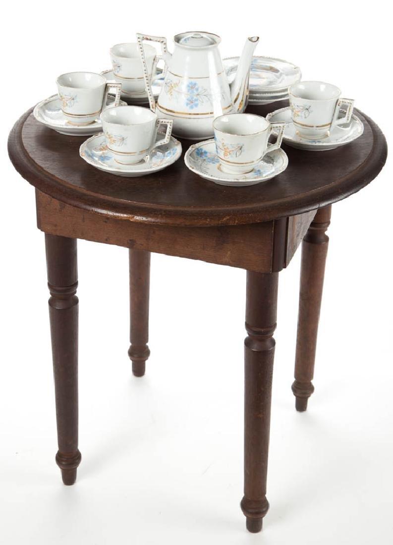 VICTORIAN WALNUT CHILD'S TEA TABLE