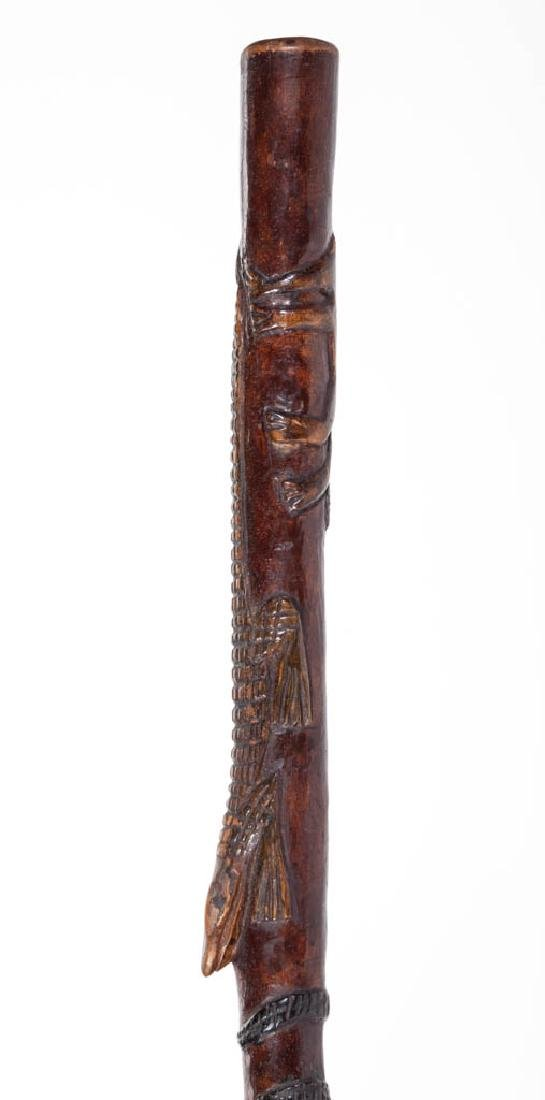 SOUTHERN FOLK ART CARVED AND PAINTED CANE / WALKING