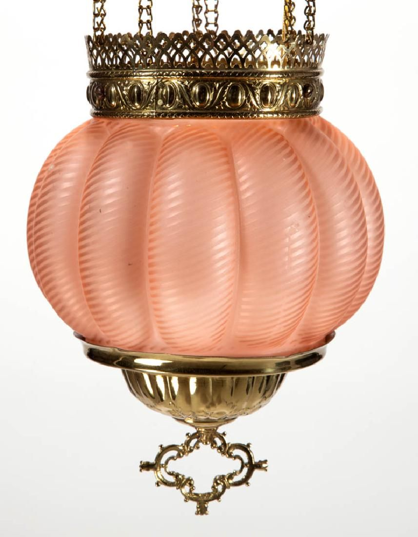 VICTORIAN SWIRLED AIR-TRAP MOTHER-OF-PEARL KEROSENE