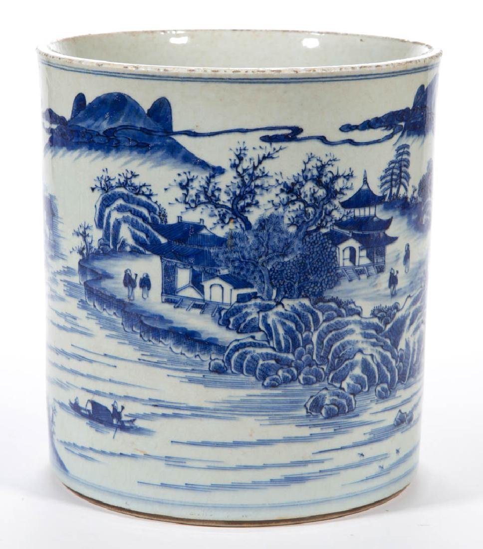 CHINESE EXPORT QING-STYLE PORCELAIN BLUE AND WHITE - 3