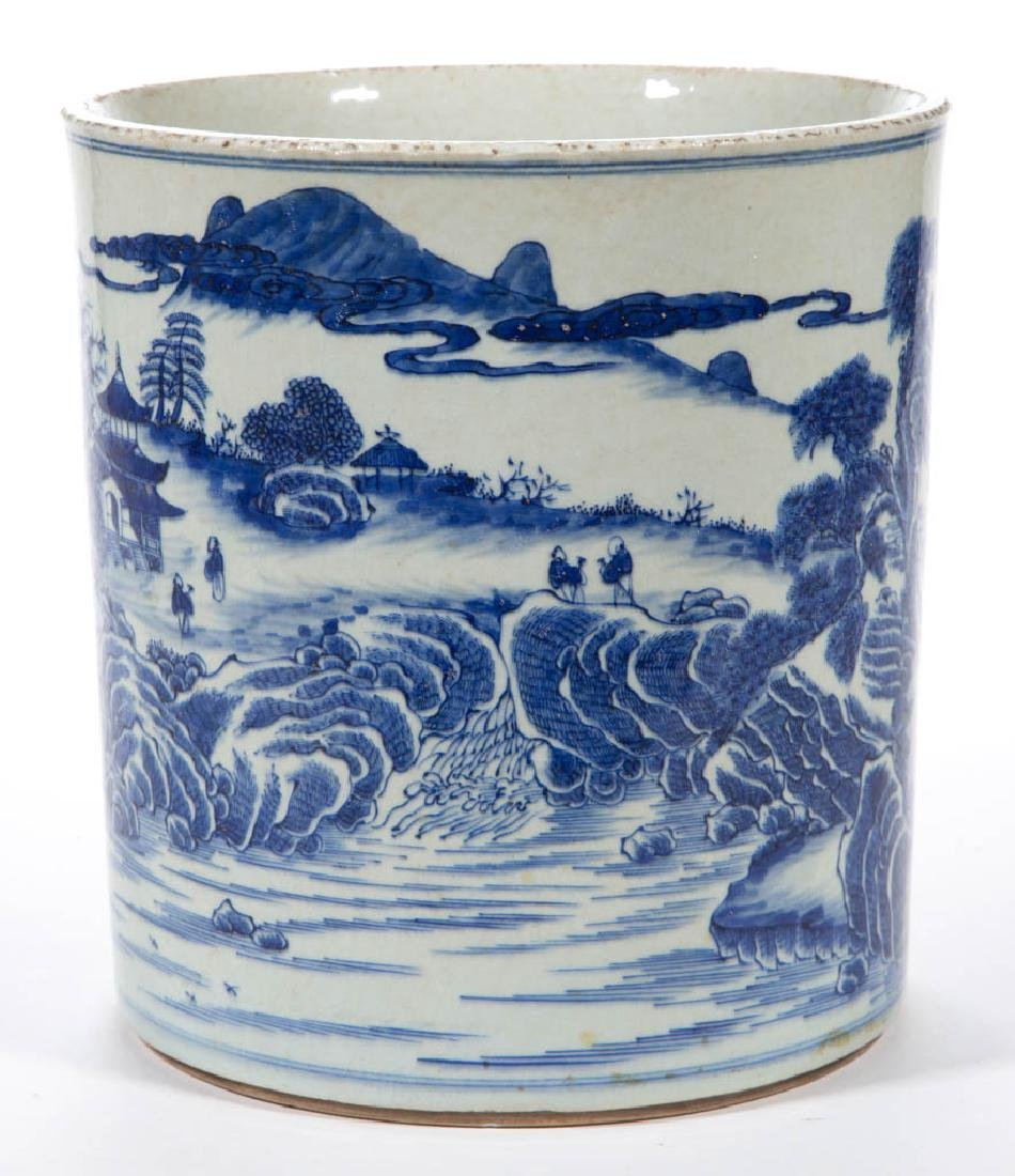 CHINESE EXPORT QING-STYLE PORCELAIN BLUE AND WHITE - 4