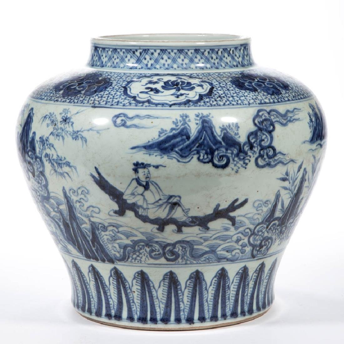 CHINESE EXPORT QING-STYLE PORCELAIN BLUE AND WHITE JAR