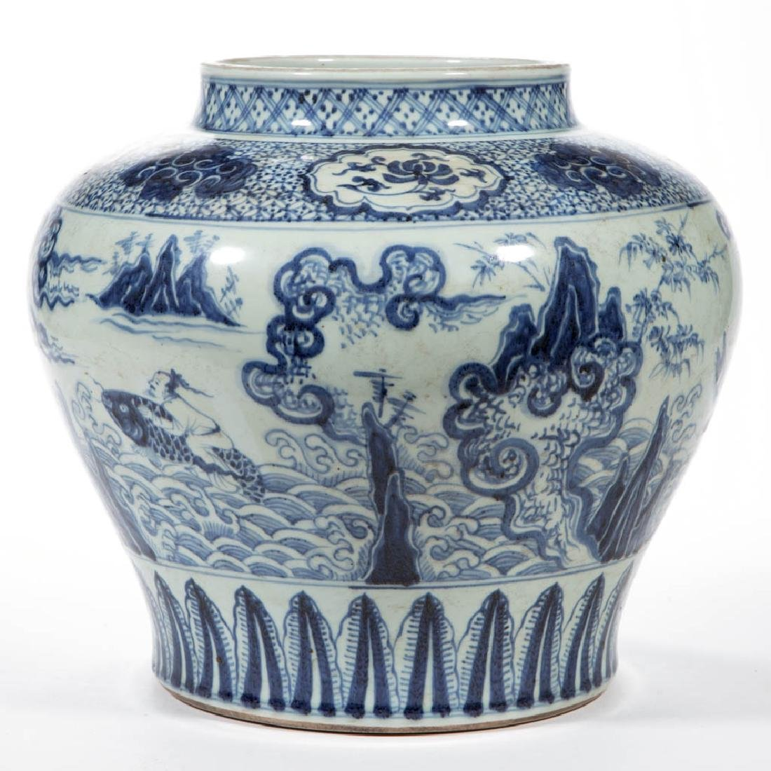 CHINESE EXPORT QING-STYLE PORCELAIN BLUE AND WHITE JAR - 4