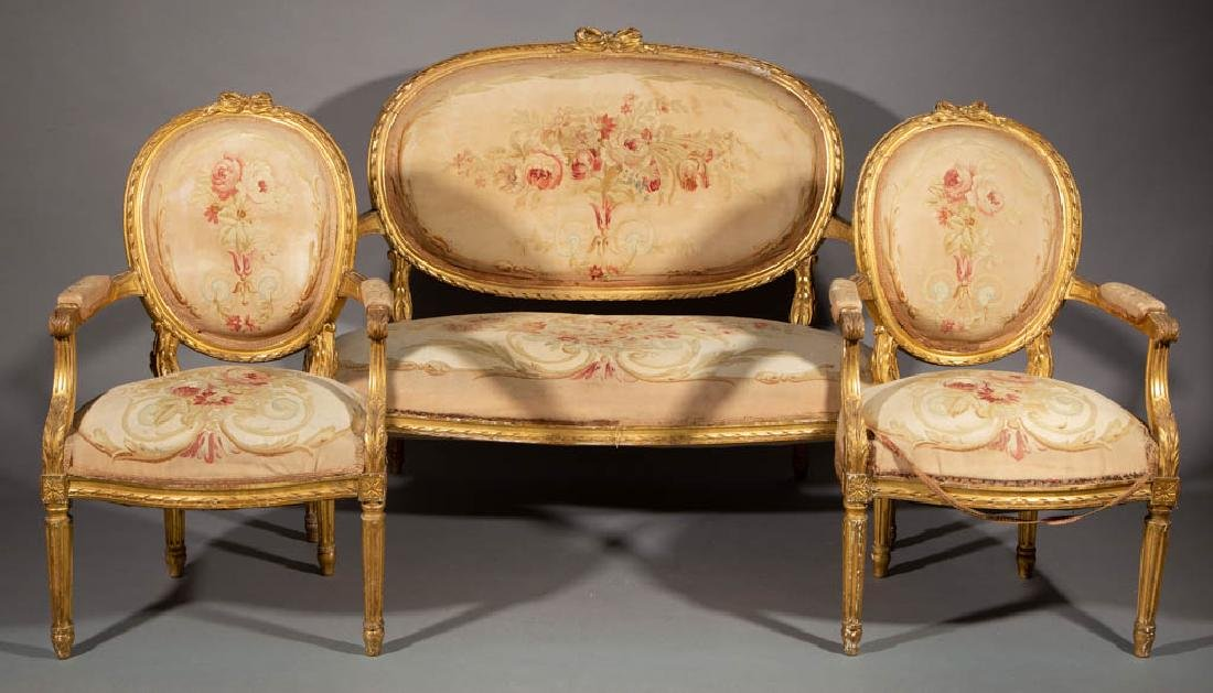 FRENCH LOUIS XV-STYLE CARVED GILTWOOD SALON / PARLOR