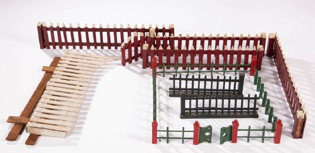 ASSORTED CHRISTMAS / HOLIDAY AND OTHER TOY WOODEN