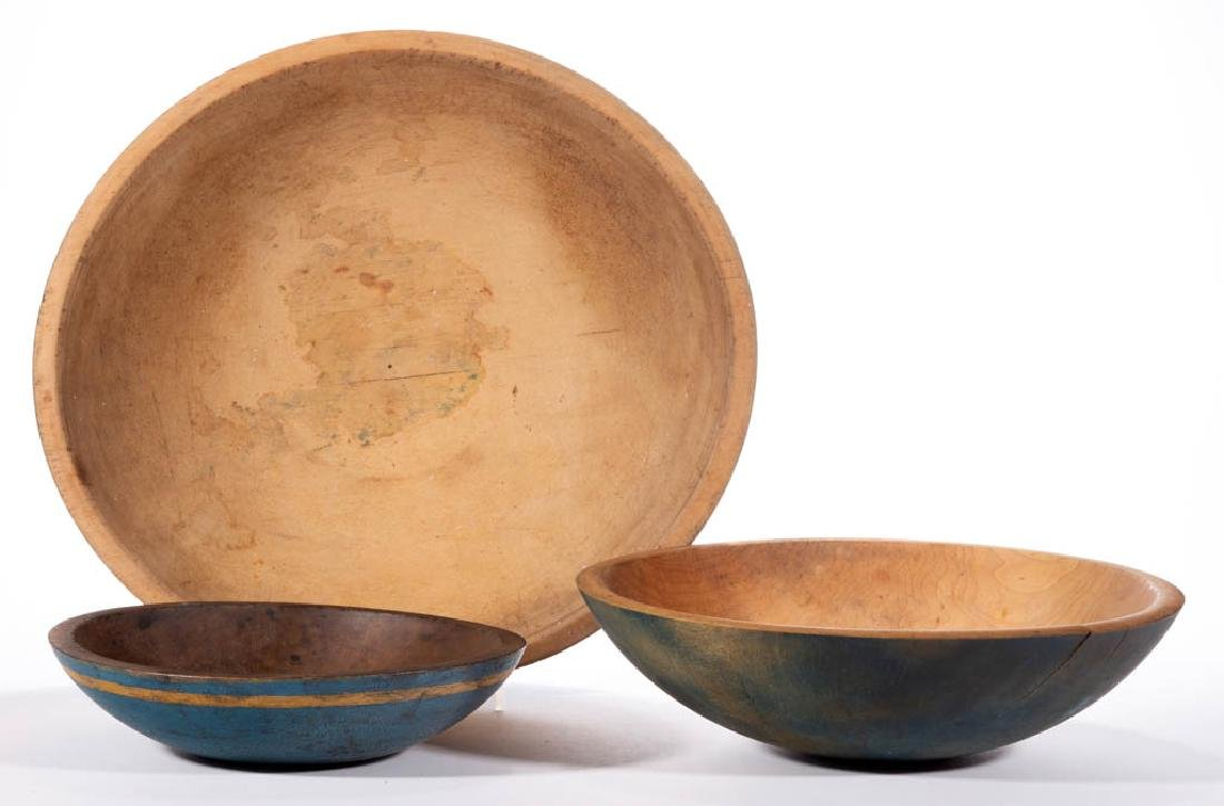 AMERICAN TURNED AND PAINTED TREEN BOWLS, LOT OF THREE