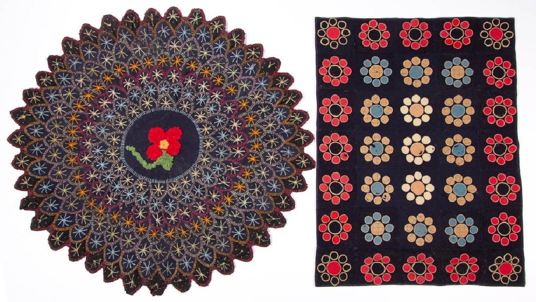 FOLK ART PENNY-STYLE AND OTHER TABLE MATS / RUGS, LOT
