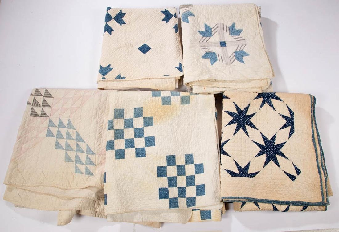 ASSORTED AMERICAN PIECED QUILTS, LOT OF FIVE