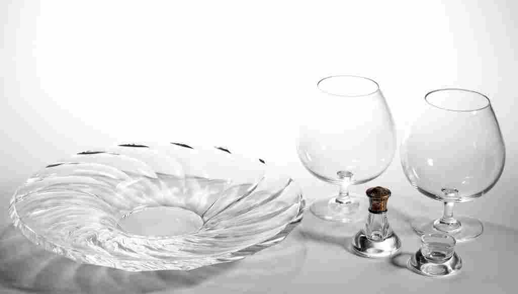 STEUBEN CRYSTAL ART GLASS ARTICLES, LOT OF FIVE