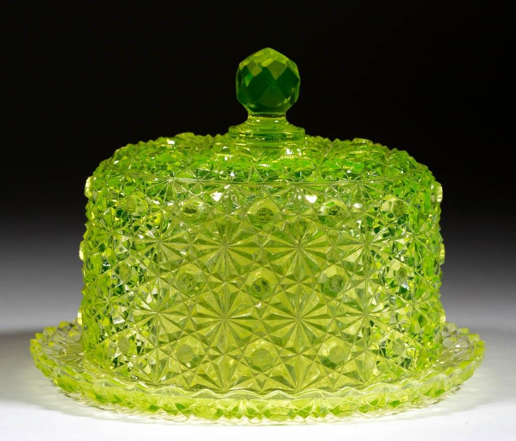 HOBBS NO. 101 / DAISY AND BUTTON COVERED BUTTER DISH